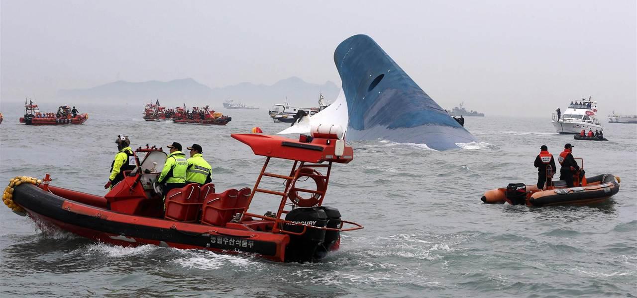 140416-south-korea-ferry-rescue-1145a_5de4afac83d35e5bdc3f76da5121e248.nbcnews-fp-1280-600