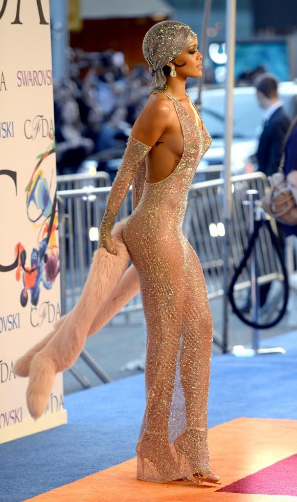 Rihanna naked 2