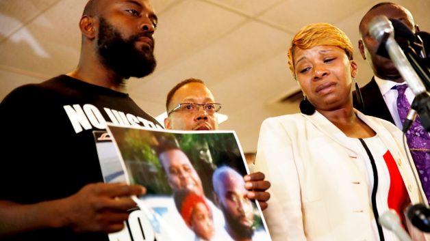 081214-national-michael-brown-parents-shooting