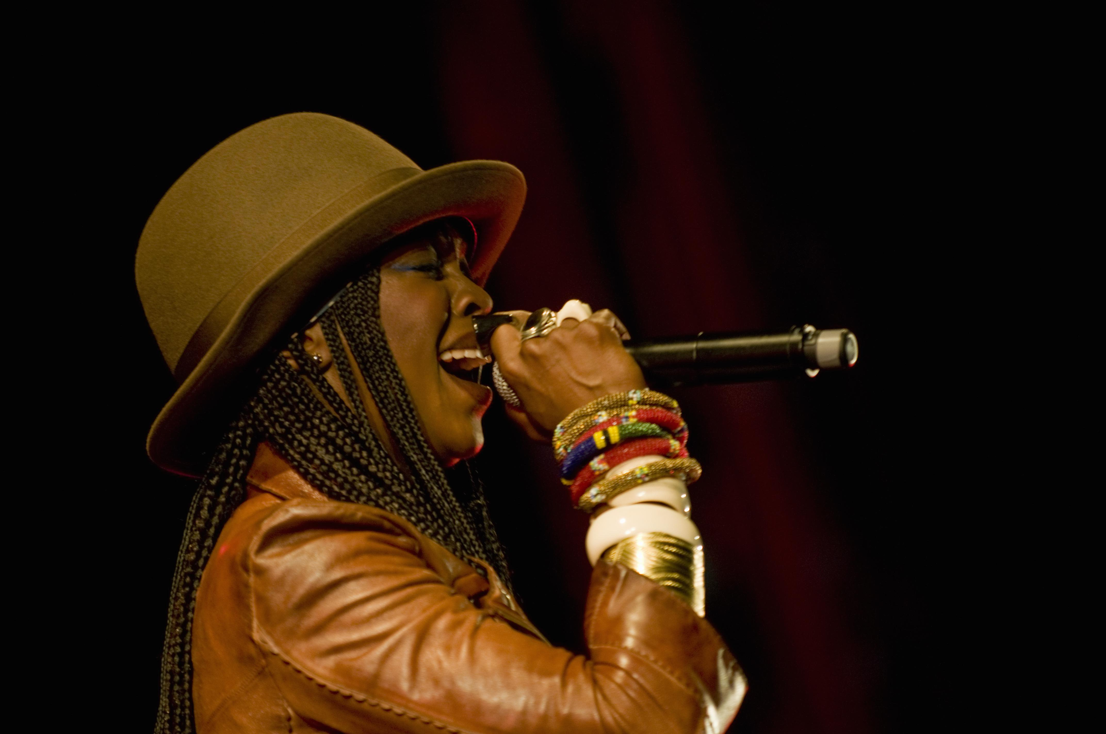 American recording artist Lauryn Hill performing at the Festival dos Oceanos, Praca do Comercio, Baixa.