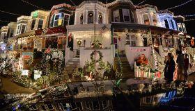 US-CHRISTMAS-LIGHTS