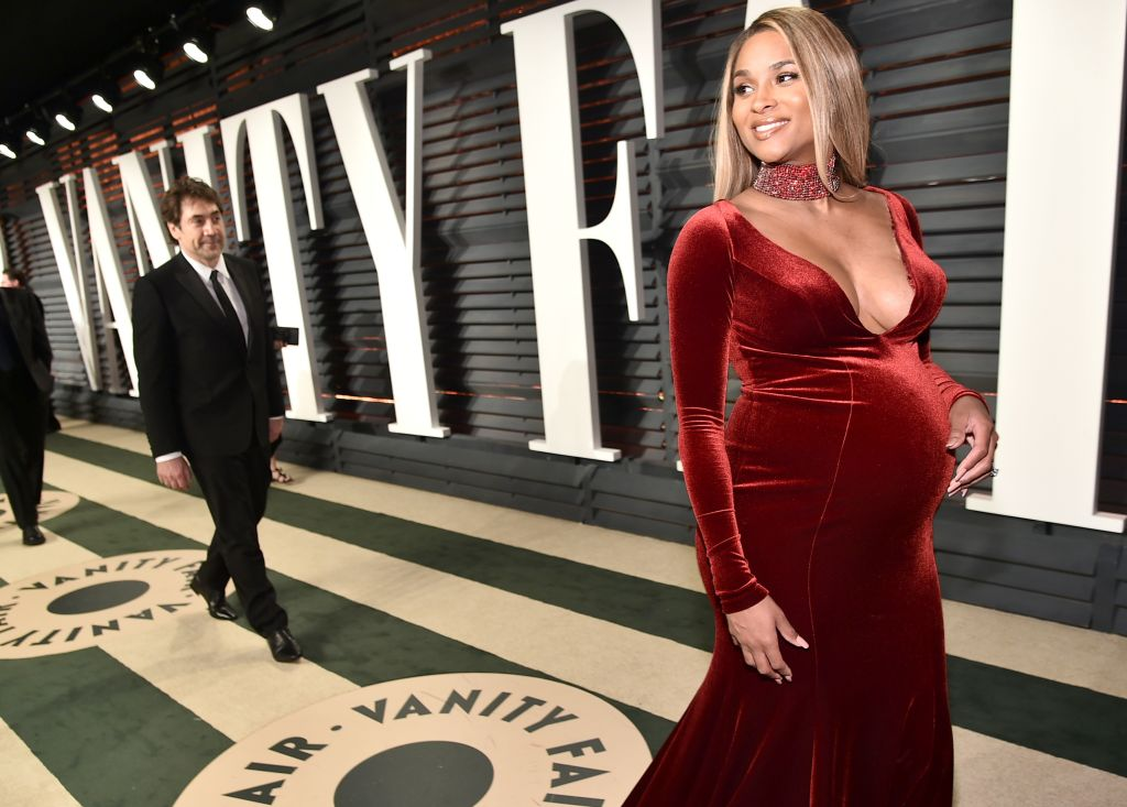 2017 Vanity Fair Oscar Party Hosted By Graydon Carter - Roaming Arrivals