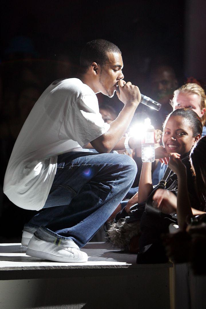 Alicia Keys And Mario Perform At Exit in 2004
